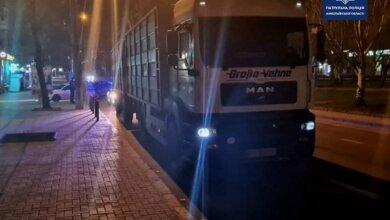 В Николаеве патрульные дважды за ночь останавливали один и тот же грузовик с пьяным водителем | Корабелов.ИНФО