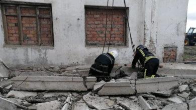 На Николаевщине во время разборки здания бетонная плита убила 19-летнего парня | Корабелов.ИНФО