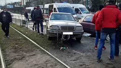 В Николаеве Mercedes вылетел на тротуар и сбил несовершеннолетнюю девочку   Корабелов.ИНФО