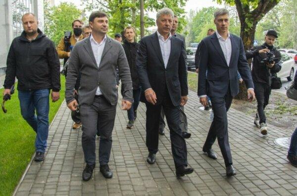В Николаеве депутаты ОПЗЖ поругались из-за флага за 27 миллионовгривен   Корабелов.ИНФО