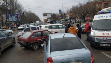 На проспекте  Богоявленском столкнулись три автомобиля — огромные заторы   Корабелов.ИНФО image 3