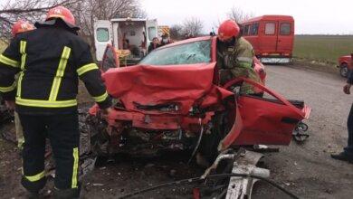 На Николаевщине «в лоб» столкнулись автомобили Opel – погибли два подростка, двое военных получили травмы | Корабелов.ИНФО image 3
