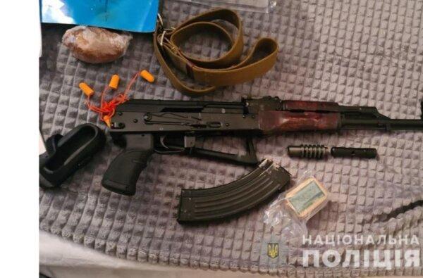 Полиция провела обыск у жителя Николаева, стрелявшего на Новый год в движущийся «Мерседес»   Корабелов.ИНФО