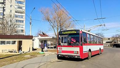 В Николаеве мужчина избил женщину-водителя троллейбуса, а после скрылся на «ВАЗ»   Корабелов.ИНФО