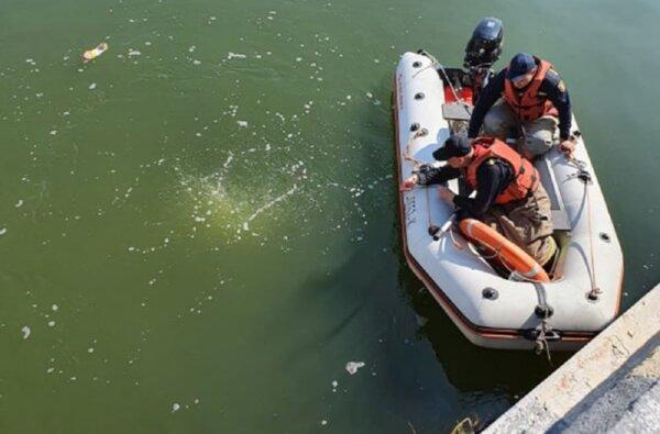 """В порту """"Ника-Тера"""" спасатели ищут гражданина Турции, который мог выпасть с судна   Корабелов.ИНФО image 2"""