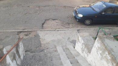 «Таксисты не хотят заезжать», - житель Корабельного района пожаловался на дорогу во дворе | Корабелов.ИНФО image 4