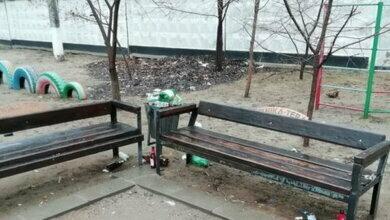 после подростков на ул. Ольжича в Николаеве