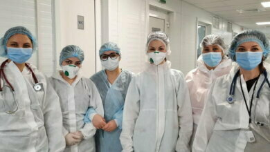 сотрудники инфекционного отделения Николаевской горбольницы №5