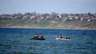 В 300 метрах от берега в Корабельном опрокинулась пластиковая лодка - безвести пропал мужчина (Видео) | Корабелов.ИНФО image 1