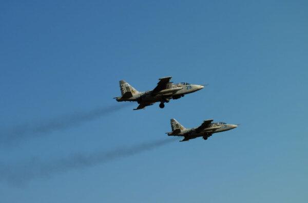 Летчики в небе над Корабельном районе провели тренировочные полеты   Корабелов.ИНФО