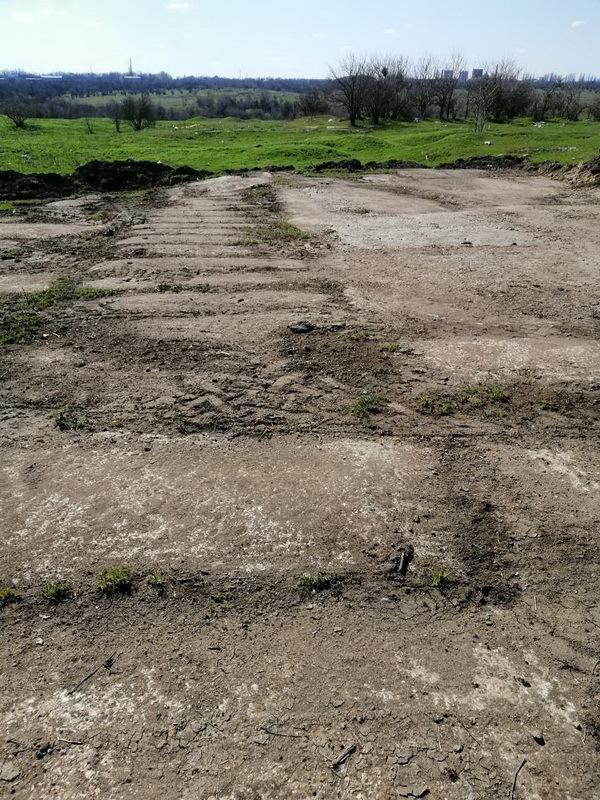 бетонные плиты на объездной, разрытые Батиком