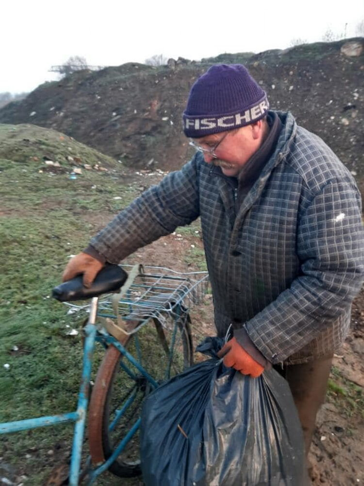 """""""Слабоумие этих особей поражает"""": опубликованы фото жителей Корабельного района, устроивших мусорную свалку   Корабелов.ИНФО image 2"""