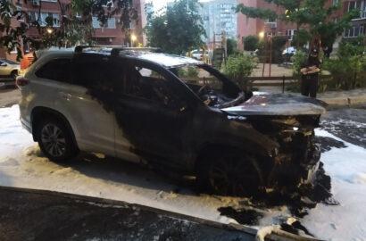 Сгоревший ночью в Николаеве внедорожник принадлежит высокопоставленному офицеру полиции