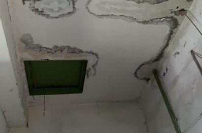 """""""Ливневка забита, потолок течет"""", - жители Корабельного района об ужасном состоянии крыши многоэтажки   Корабелов.ИНФО image 3"""