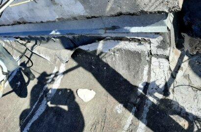 """""""Ливневка забита, потолок течет"""", - жители Корабельного района об ужасном состоянии крыши многоэтажки   Корабелов.ИНФО image 2"""
