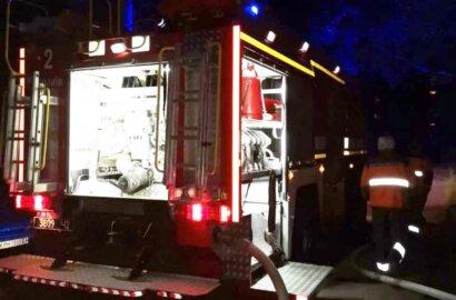 Ночью в Корабельном районе сгорел Mercedes: есть пострадавший | Корабелов.ИНФО