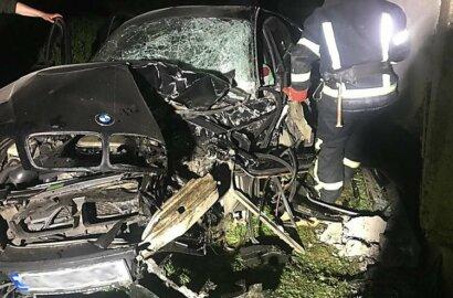 В Галициновской ОТГ автомобиль BMW врезался в дом: пострадали три человека   Корабелов.ИНФО image 1