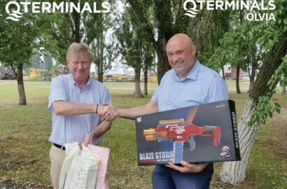 """1 июня 2021 г., ООО «QTerminals Ольвия» приготовило подарки всем детям сотрудников порта """"Ольвия"""""""