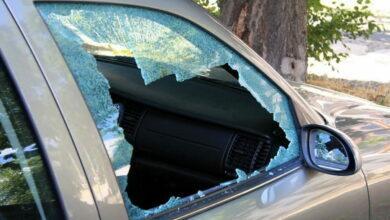 разбито стекло машины