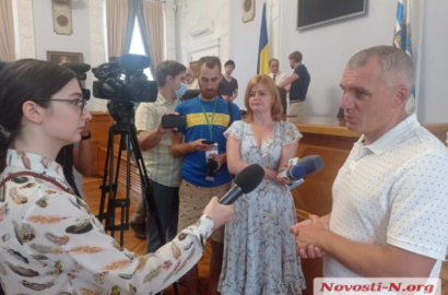 справа - Александр Сенкевич
