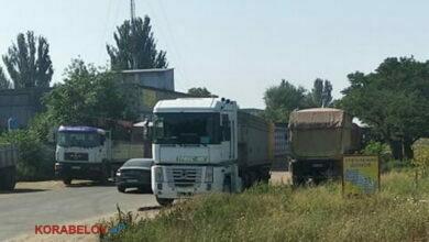фуры на объездной дороге в Корабельном районе г. Николаева 27.07.2021