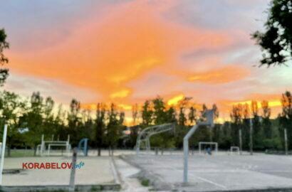 закат над стадионом