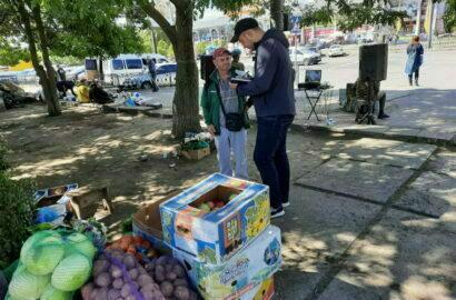 """стихийная торговля возле """"АТБ"""" в Николаеве"""