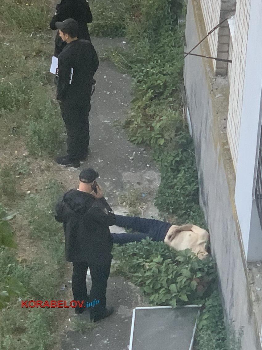 выпавший из окна по Айвазовского, 6 (04.09.2021