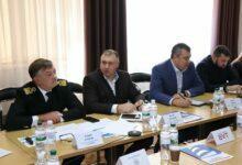слева - Андрей Егоров